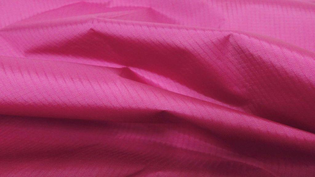 stoffbook stoff stoffe als meterware portofrei pink fein nylon stoff ballonseide. Black Bedroom Furniture Sets. Home Design Ideas