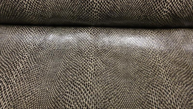 stoffbook stoff stoffe als meterware portofrei schwarz beige nylon stoff python. Black Bedroom Furniture Sets. Home Design Ideas